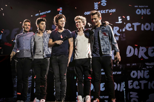 Review] One Direction takes their songs and story to the big screen