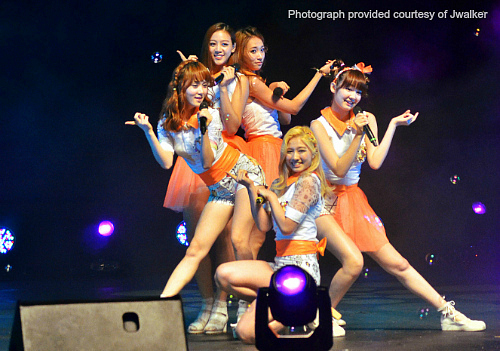 [Recap] Rookie girl group SKarf holds first showcase in Singapore