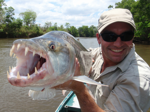 Adventure fishing show chasing monsters premieres tonight for Monster fish show